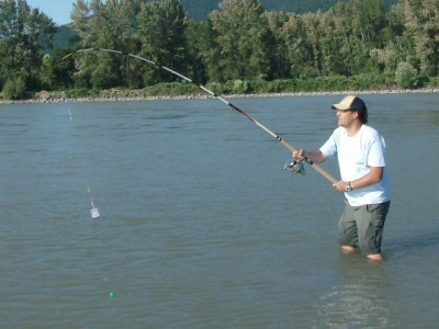 ... bar fishing chinook salmon on the mighty Fraser river!